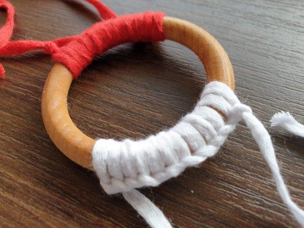 Бебешки чесалки за зъбки – бяло и червено код: 2689 Чесалки за зъби бебе