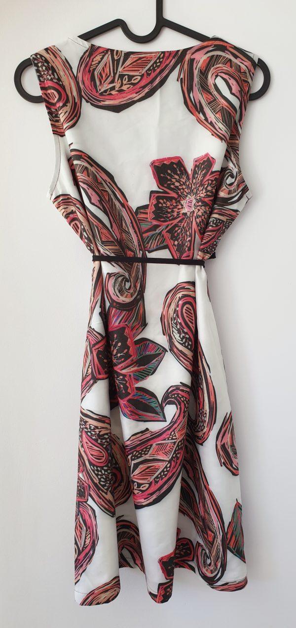 Дамска лятна рокля с цветя и коланче код: 30274 Рокли За Мама дамска рокля